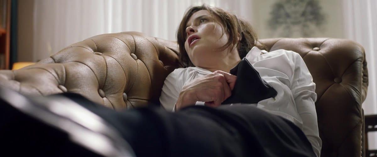 die_couch_natalie2